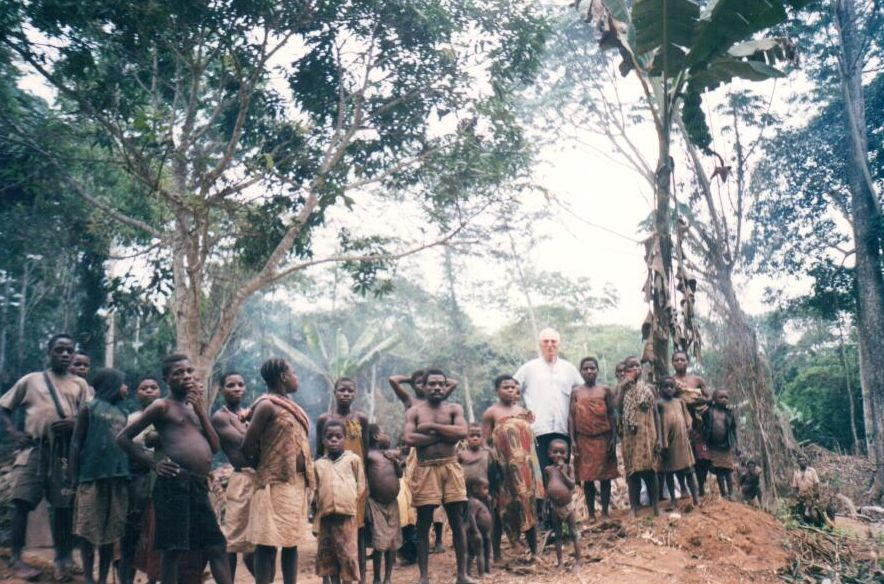 obóz Pigmejów wdżungli